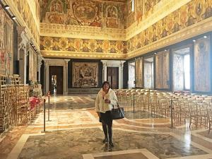 Fiona in Quirinale main hall